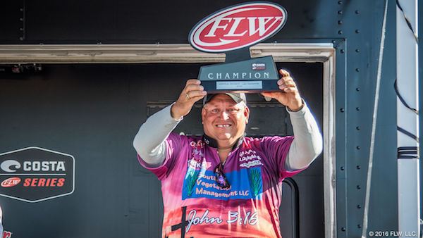Fitts wins costa flw series central division opener on for Lake dardanelle fishing report