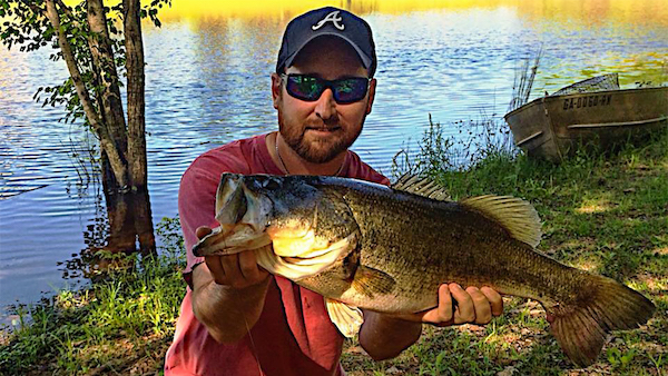 Fish topwaters more effectively from shore by walker smith for Bank fishing for bass